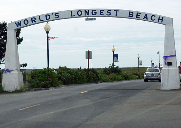 Worlds longest beach sign