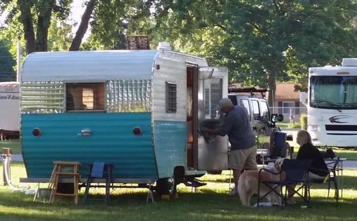 1961 Beeline travel trailer small