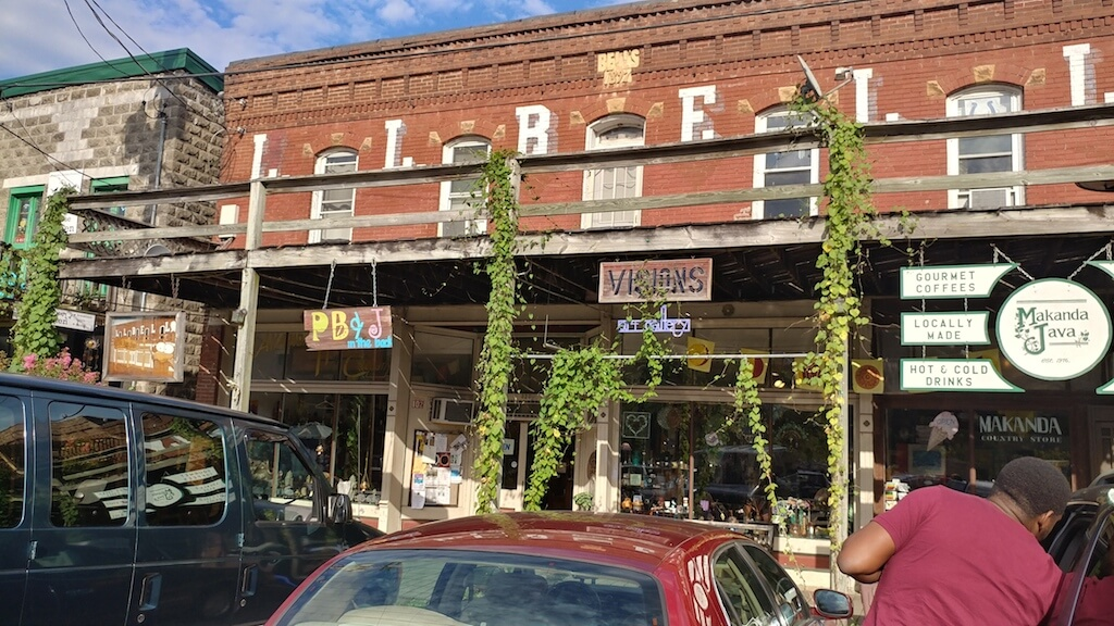 Southern Illinois unique locations, Makanda specialty shops and art grotto.
