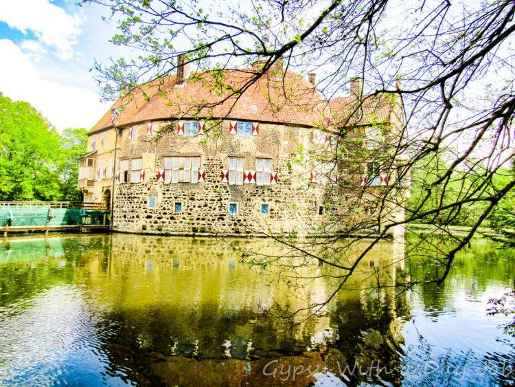 Vischering Caslte, or Burg Vischering, a perfect medieval moated castle, in Ludinghausen, Germany.