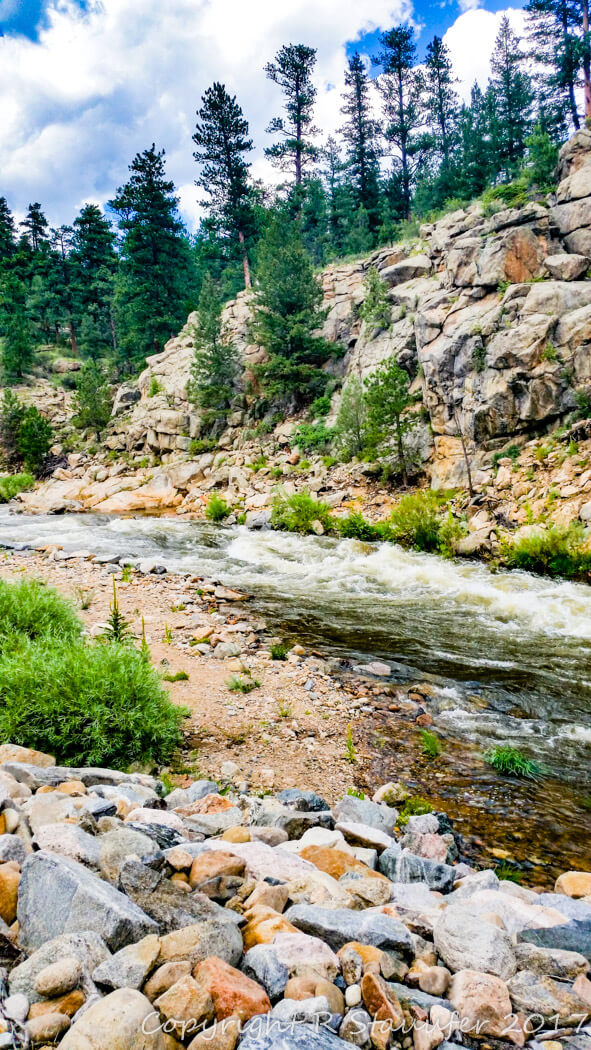 Rocky Mountain National Park, one of the amazing US National Parks, filled with natural wonders, making for a great destination for rookie explorers and expert adventurers.