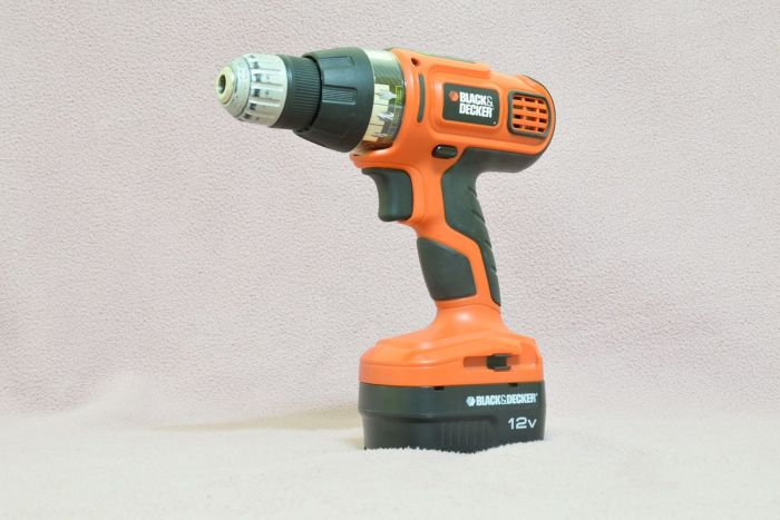 Black & Decker Cordless Drill (Source: Wikimedia Commons)
