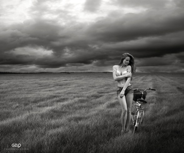 Ref: GZLo - 804. Photocreation: Gonzalo Villar - Model: Kristina Yakimova - Photo of model: Viktoria Ivanenko