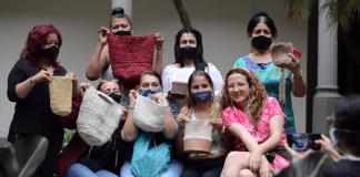 Organizaciones y colectivos de la ciudad exaltan los derechos de la mujer.
