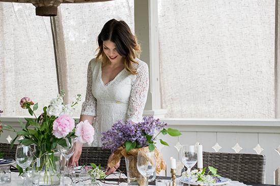 Bordet fyllde vi med härliga blommor i små & stora vaser.