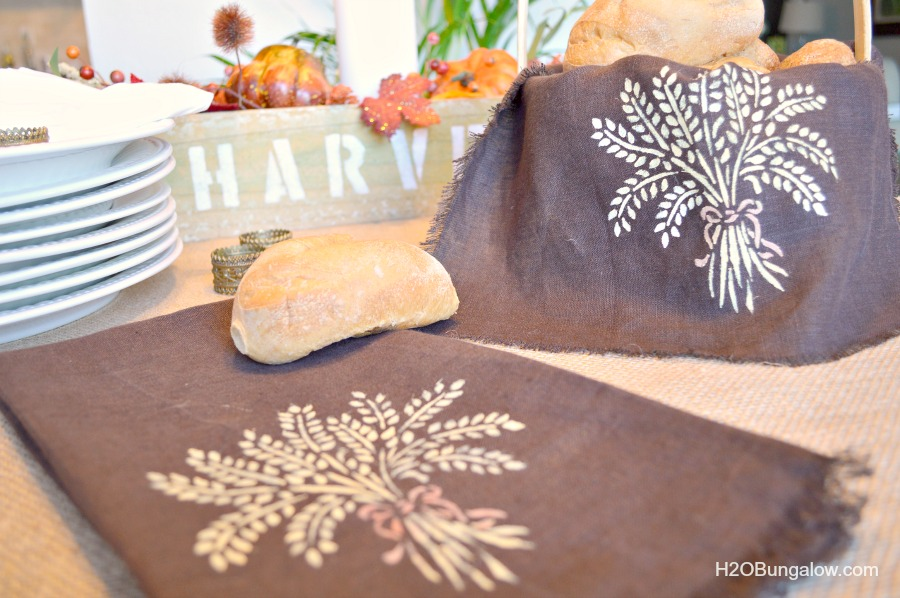 Royal-Designs-linen-tea-towel-bread-basket-liner-H2OBungalow