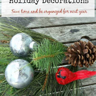 Make holiday decorating a breeze next year! Use these time saving tips to organize and store holiday decorations before they are stored for the year. You'd be amazed what a difference it makes! www.H2OBungalow.com
