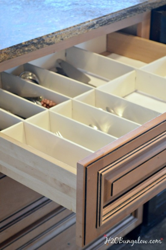 DIY-wood-drawer-organizers-by-H2OBungalow