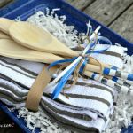Try these simple painted wood spoons to jazz up a summer BBQ hostess gift www.H2OBungalow