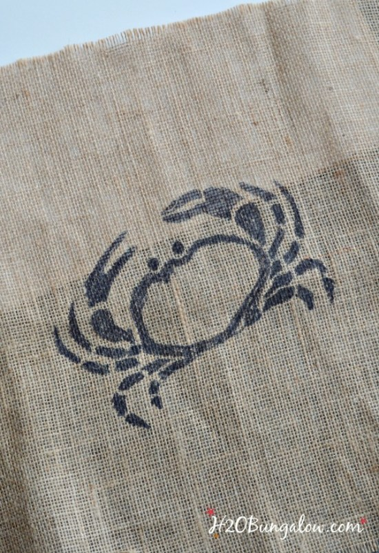 DIY Crab stenciled on burlap for a picture frame serving tray H2OBungalow