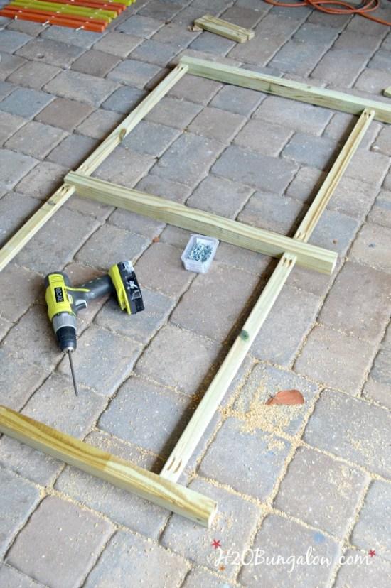 assemble-outdoor-sofa-frame-with-kreg-pocket-screws-H2OBungalow