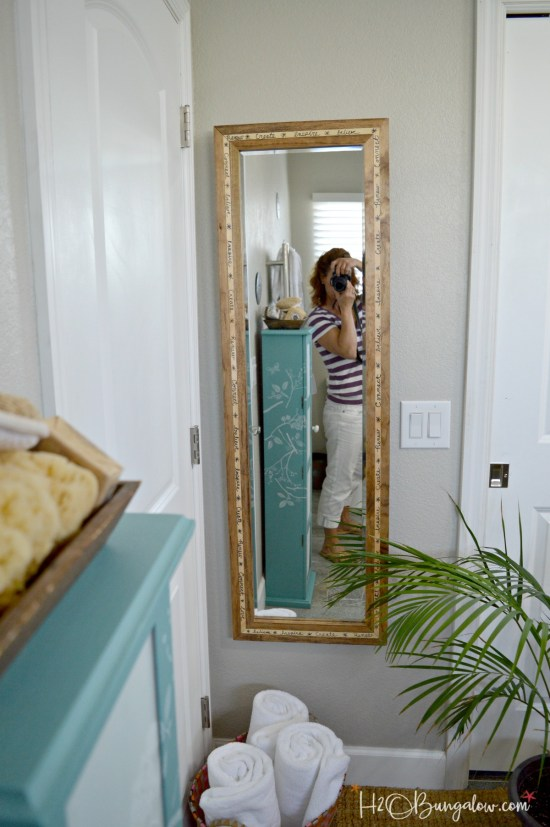Start each day with meaningful words. Tutorial for DIY full length wood mirror frame with inspirational words around the frame. Beautiful as a mirror large or small and unique as a frame.