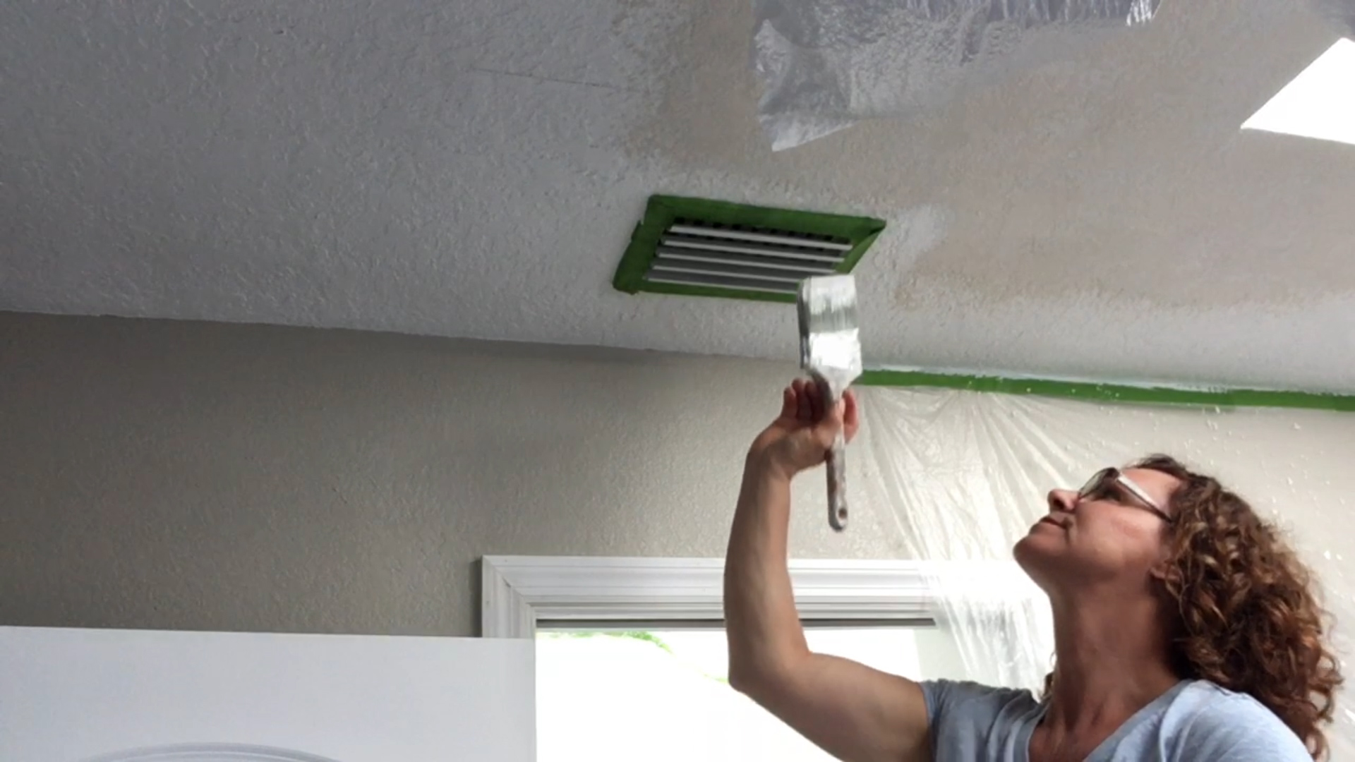 How To Paint Ceilings Beginners Guide Video Tutorial H2obungalow
