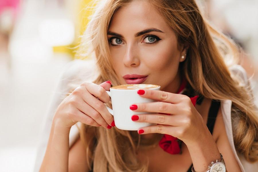 cafeaua ajuta la slabit