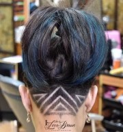 tattoos und kurzhaarfrisuren