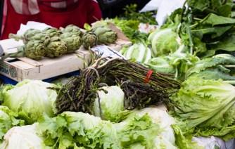 villiparsaa ja salaattia