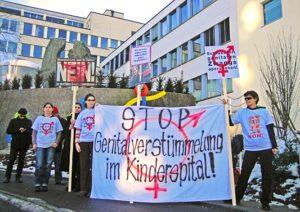 Protest von zwischengeschlecht.org vor dem Kinderspital in St. Gallen 2011.