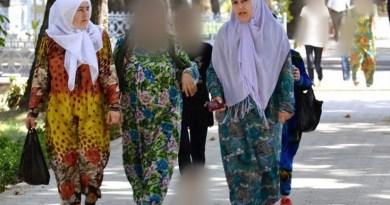 """Борьба с хиджабом: чиновники навязывают т.н. """"национальный костюм"""""""