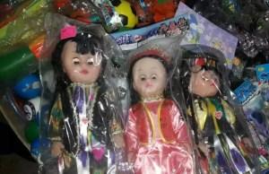 В Таджикистан запретили ввозить куклы в хиджабе
