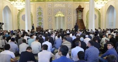 В мечетях Узбекистана собирают деньги для новогодних украшений