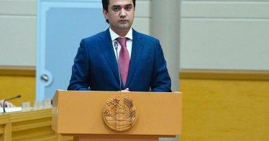 Рустами Эмомали выдвинут в депутаты