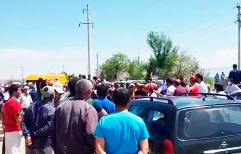Таджикистан: участников протеста 17 мая преследует милиция