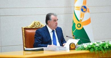 Эмомали Рахмон одобрил поправки в КоАП РТ