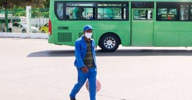 В Туркменистане обязали носить маски