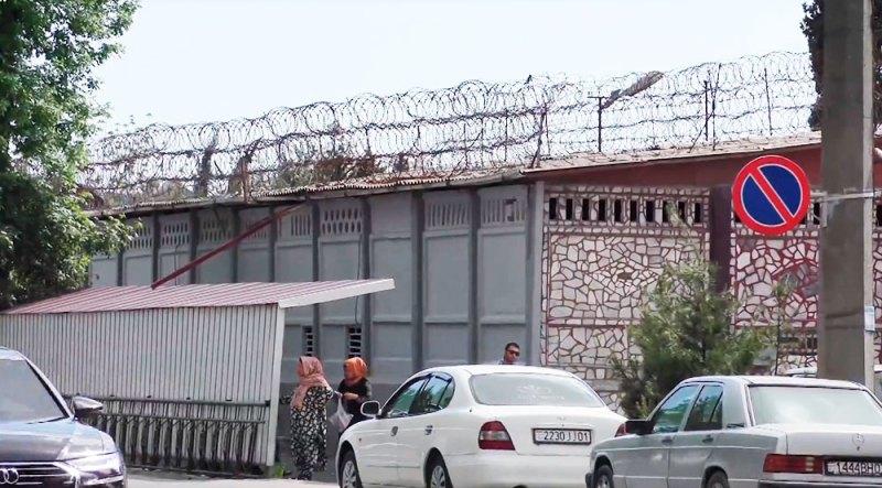 В таджикских тюрьмах заключенные скончались от пневмонии