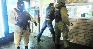В России омоновцы избили около 50 таджиков