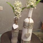 I dettagli: bottiglie di vetro decorate