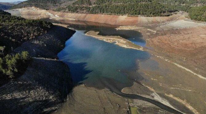 Nilüfer Barajı'nda su oranı yüzde 5'e düştü