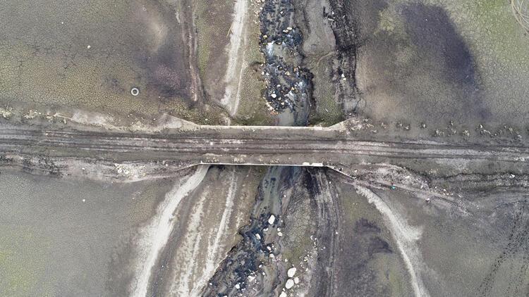 Bursa'da barajdaki doluluk oranı yüzde 5'e düştü, tarihi köprü ortaya çıktı