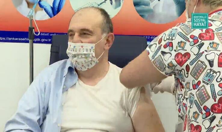 Son dakika haber: Aşılama yarın başlıyor Bakan Koca ve Bilim Kurulu üyeleri koronavirüs aşısı oldu