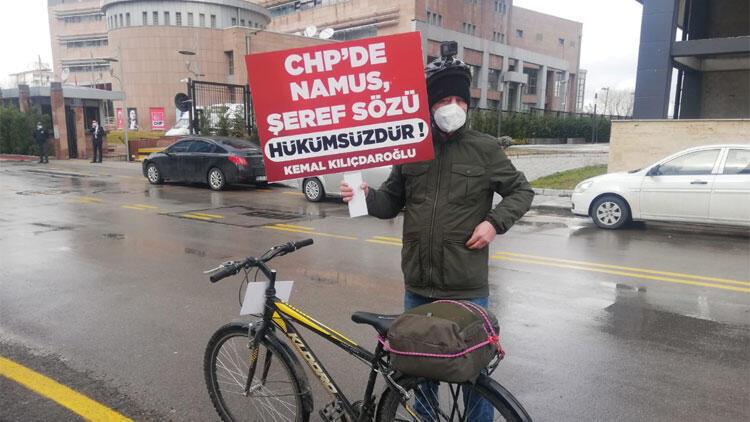 İBB'de işten çıkarılan işçi, CHP Genel Merkezi önünde tepki gösterdi