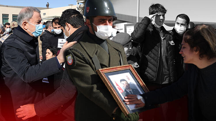 Bitlis'te helikopter kazasında şehit olan 11 asker için tören... Gözyaşları sel oldu