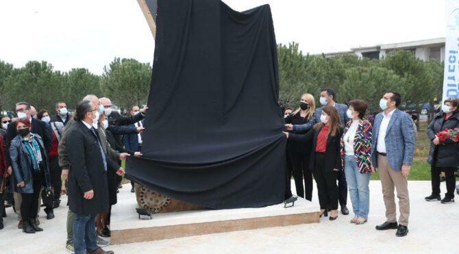 CHP'li belediyeden sağlık çalışanları için 'Saygı Anıtı'