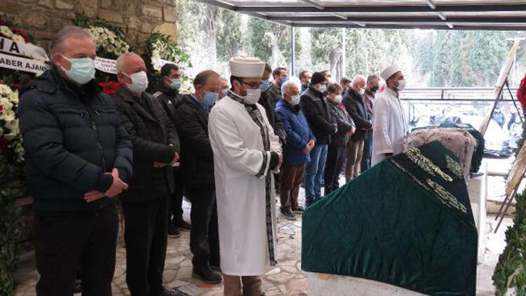 Türk basınının duayen ismi Seçkin Türesay'a veda