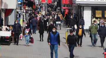 Vaka sayısı zirve yaptı Samsun'da cadde ve sokaklarda insan yoğunluğu