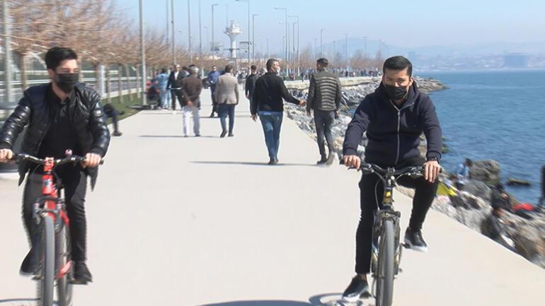 Antalyada sahilde dikkat çeken görüntü Polis tek tek denetledi