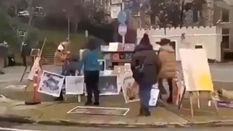 Boğaziçi Üniversitesi'nde Kabe fotoğrafının yere serilmesi davası başladı