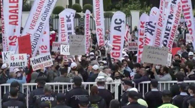 KKTC'de çalışanlar sokağa indi