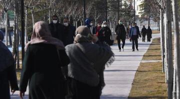 Vaka sayısı artan Konyada, kısıtlamaya rağmen hareketlilik