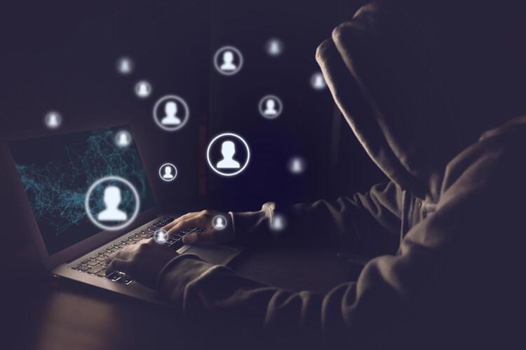 Facebook verileri çalındı! Kullanıcılar için ne anlama geliyor?