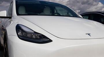 Tesla kazalarının sorumlusu otopilot mu dikkatsiz sürücüler mi