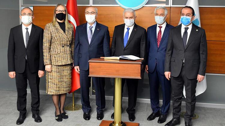 AK Parti Genel Başkanvekili Yıldırım, Menemen'de partililere seslendi