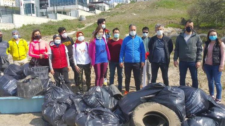 Edirne'deki çevreciler, kısıtlamayı fırsat bilip, 1 kamyon çöp topladı