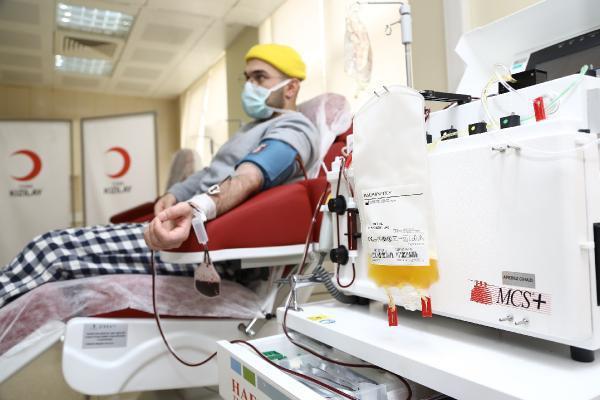 Kan bağışında bulunanlar kısıtlamadan muaf... Kızılay'dan vatandaşlara çağrı