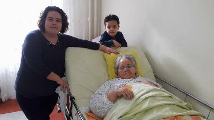 Virüsü bulaştırdığı annesini kaybeden Hediye Hemşire'nin zor günü