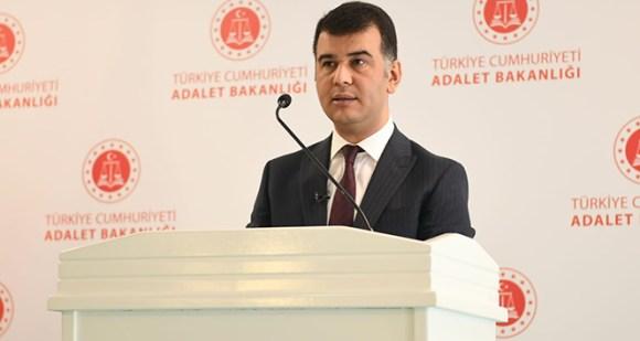 Adalet Bakanlığı Sözcüsü Ertuğrul Çekin: 'Silahlandığı iddia edilen gruplara yönelik soruşturma başlatıldı'